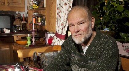 """FICK SVÅRT ATT ANDAS AV VOLTAREN. Torbjörn Prytz, 66, fick svåra problem när han åt Voltaren mot sina reumatiska besvär. """"Allmäntillståndet förändrades, jag fick svårt med andningen och hjärtklappning. Och magen tog mycket stryk"""", säger han."""
