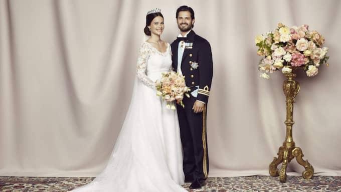 Prinsessan Sofia och prins Carl Philip efter gårdagens vigsel. Foto: Mattias Edwall/Kungahuset