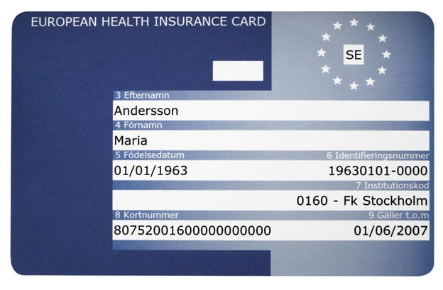 EU-kortet, som är gratis, ger dig rätt till nödvändig sjuk- och tandvård när du är i ett EU/EES-land eller Schweiz.