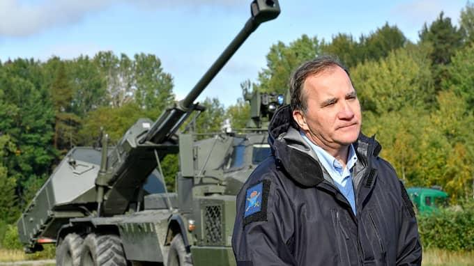 Stefan Löfven vill informera förortsborna om en kommande¨ militär insats mot den organiserade brottsligheten, erfar Ankan. Foto: JONAS EKSTRÖMER/TT / TT NYHETSBYRÅN