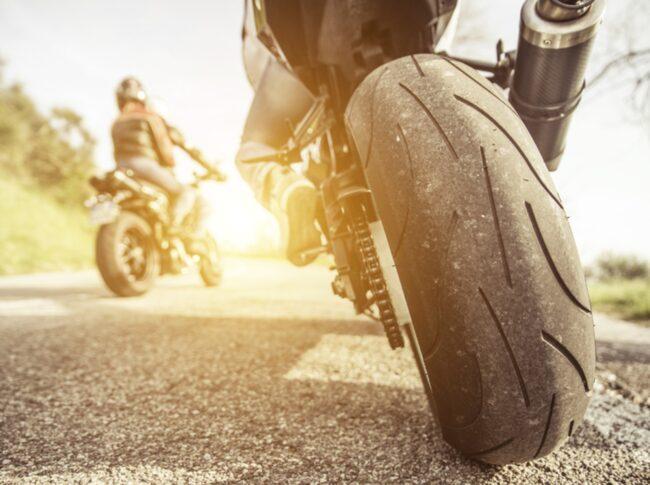 I nära hälften av dödsolyckorna på 40- och 50-vägarna var motorcykeln en sporthoj.