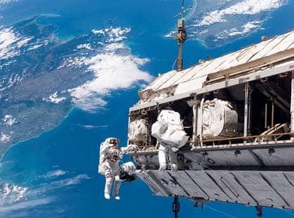 människans strävan att komma upp i rymden