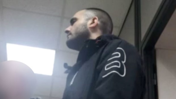 Här är nya bilderna på trippelmördaren
