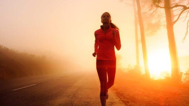 <span>5-10 minuters träning på morgonen räcker för att få igång kroppen och få rätt förutsättningar. <br></span>
