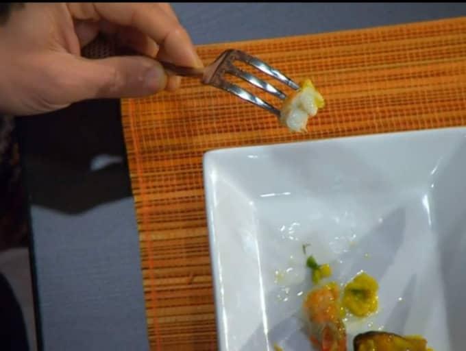 Deltagaren Susanna Bill valde att göra sin risrätt med saffran, blåmusslor och havskräftor. Foto: TV4