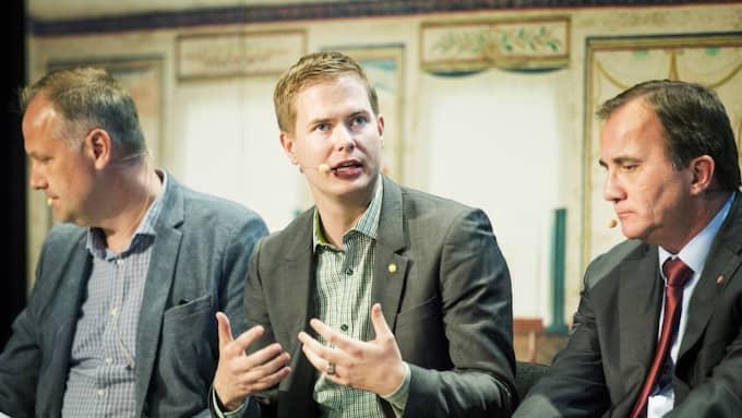 Jonas Sjöstedt (V), Gustav Fridolin (MP), Stefan Löfven (S). Foto: Jens L'Estrade
