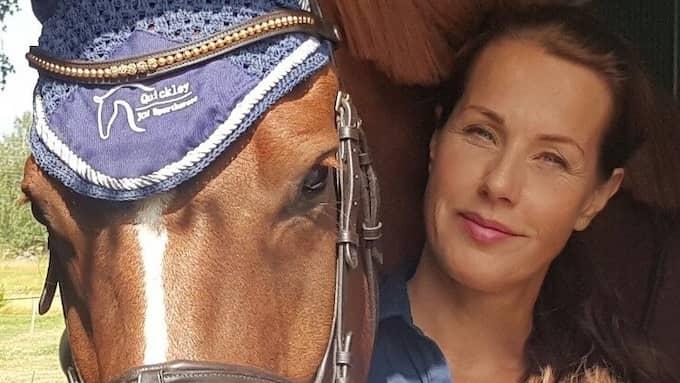"""Ulrika Fåhraeus är hästjournalist och driver hästbloggen """"Ponnymamman""""."""