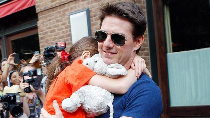 Tom Cruise med Suri 2012. Foto: WAGNER AZ, PACIFICCOASTNEWS.COM / STELLA PICTURES PACIFICCOASTNEWS.COM