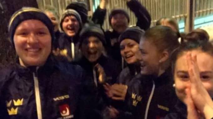 Glada spelare efter semisegern. Foto: Privat