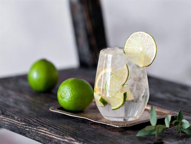 Det är Gordon's Gin som lanserar en tjänst för försenade resenärer.