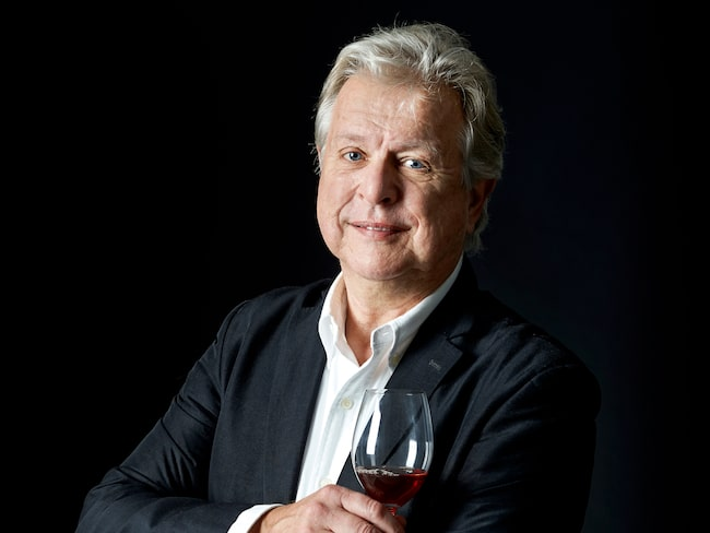Mikael Mölstad är återkommande skribent och krönikör i magasinet Allt om Vin.