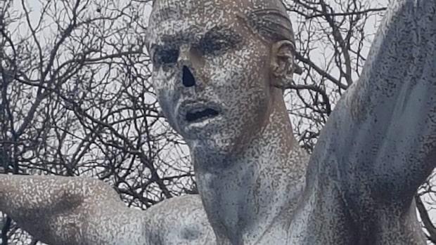 Zlatan-statyn utsatt för ny skadegörelse
