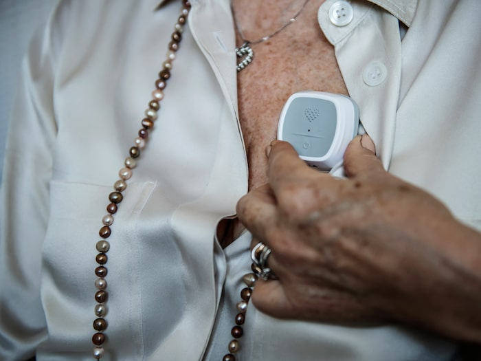 Under två månader ska kvinnorna i studien få låna en liten hjärtmonitor som man själv kan ta EKG med.