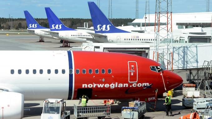 Miljöpartiet måste tänka om när det gäller flygskatten, skriver Rickard Nordin . Foto: JOHAN NILSSON/TT