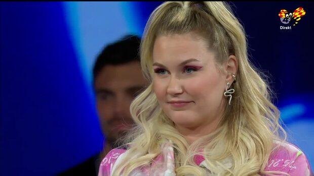 """Här räddar Idoljuryn Ella kvar i """"Idol"""""""