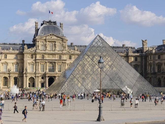 Världsberömda Louvren hyllar Leonardo da Vinci med ny utställning.
