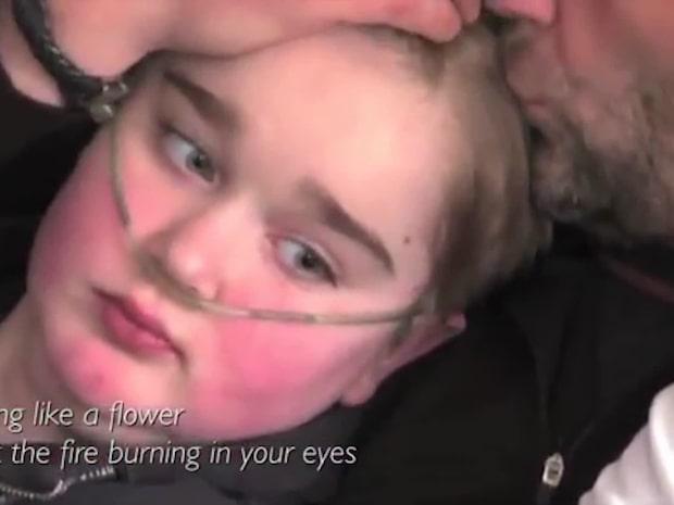 Jonathan, 15, dog i väntan på organdonation