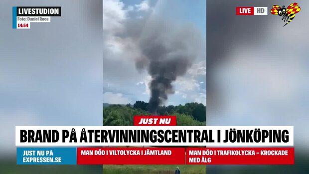 Storbrand på återvinningscentral nära Ica Maxi-butik
