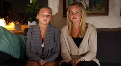 Det blir ingen USA-resa för 20-åringarna Johanna Lindström och Sara Zettergren. Foto: Roger Vikström