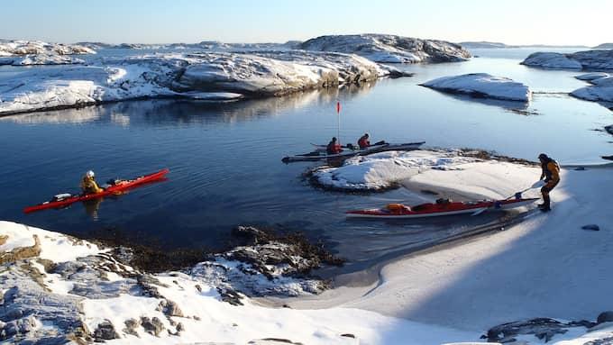 – Man blir ödmjuk inför kyla och vind, och det är under vintern det är vildmark över Bohuslän, säger Christina Ingemarsdotter, Kajak i Grundsund. Foto: Nautopp/Vastsverige.com
