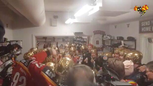 Här firar Luleå SM-guldet efter seger i SDHL
