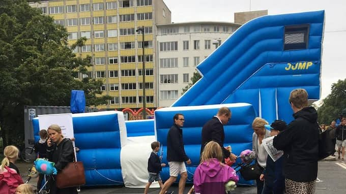 JUMP har sin hoppborg på Lilla Nygatan, bredvid Axels tivoli. Foto: Nellie Erberth