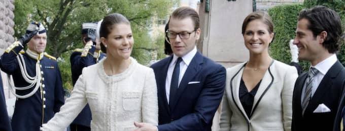 Kronprinsessan Victoria och prinsessan Madeleine har minskat sitt innehav av H&M-aktier, samtidigt som de är bästa vänner med H&M-arvtagarna. Foto: Bertil Enevåg Ericson / Scanpix