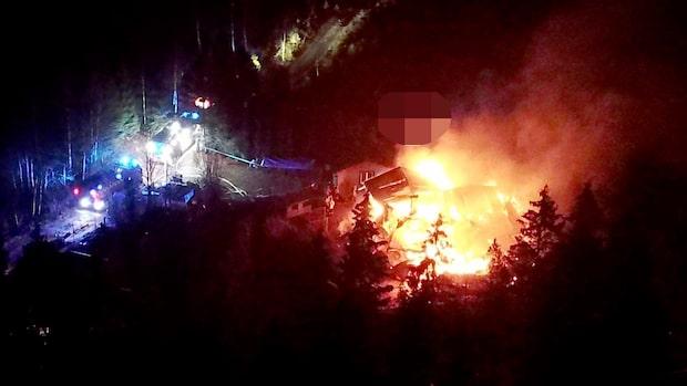 Våldsam brand i villa i Bollebygd