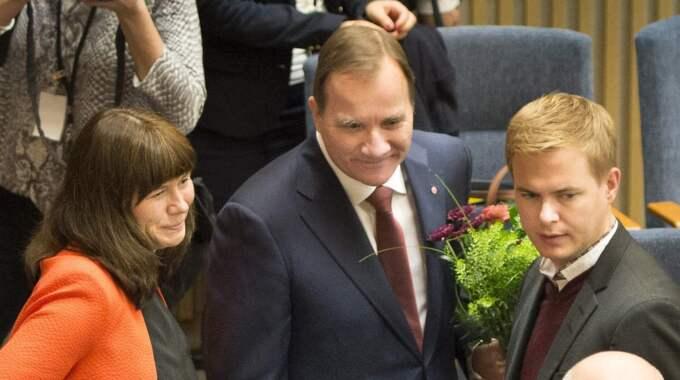 Åsa Romson, MP, Stefan Löfven, S och Gustav Fridolin, MP presenterar tillsammans med... Foto: Tommy Pedersen