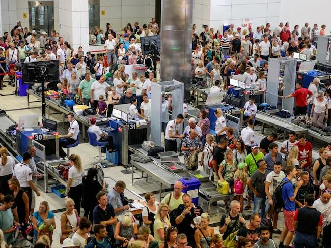 Säkerhetskontrollen, flygresans viktigaste moment, men också mest tidskrävande.