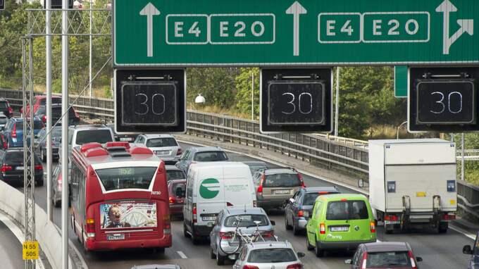 Det gäller att ta det lugnt i trafiken i helgen. Foto: Suvad Mrkonjic
