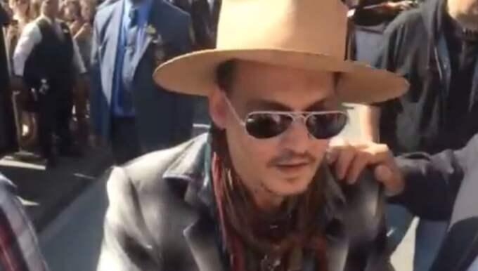 Johnny Depp vägrar att svara på frågor Foto: Eric Emanuelsson