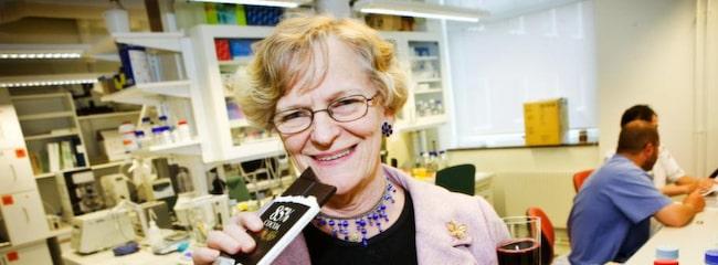Diabetiker och överviktiga gör klokt i att välja mörk choklad framför vit tycker professor Kerstin Brismar.