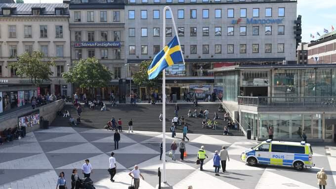 """""""Du gamla, du fria"""" på Sergels torg. Foto: HENRIK MONTGOMERY/TT / TT NYHETSBYRÅN"""