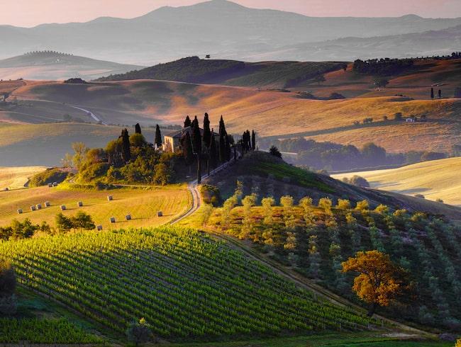 Val d'Orcia är ett kulturlandskap i provinsen Siena, Italien.  Platsen fick 2004 världsarvsstatus.