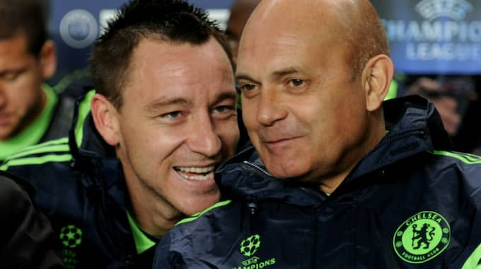 Wilkins i samspråk med John Terry. Foto: Darren Walsh / CHELSEA FC VIA GETTY IMAGES / ALL OVER PRESS / GET