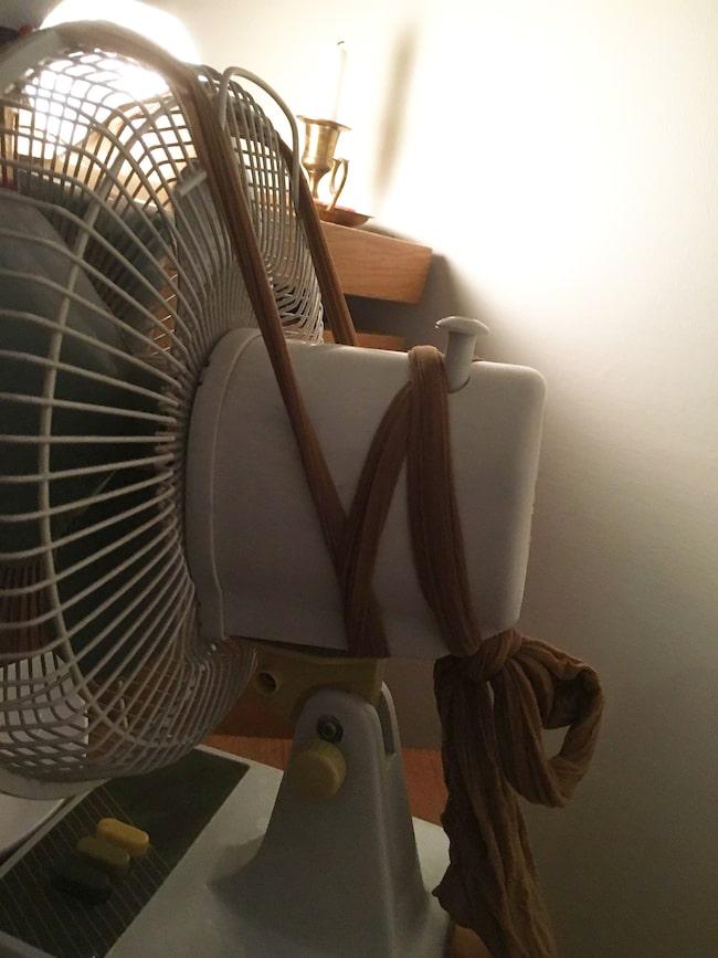 """Hannah kan inte installera en AC där hon bor så hon """"uppfann"""" en egen..."""