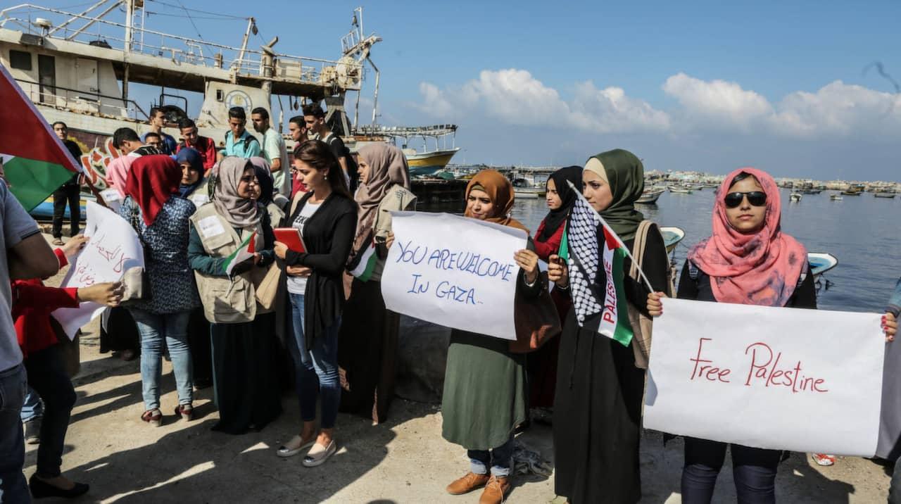 Gaza aktivister forda till flygplats