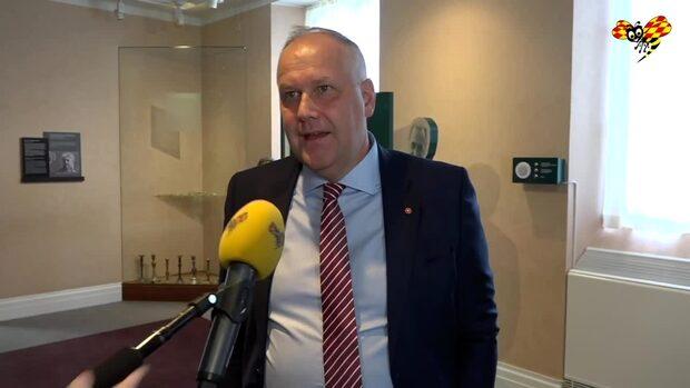 """Sjöstedts kritik mot Löfven: """"Som en katt runt het gröt"""""""