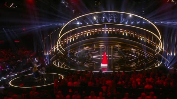 """LaGaylia Frazier tvingas avbryta mitt i numret efter tekniska problem i TV4:s """"Stjärnornas stjärna"""". Foto: TV4"""