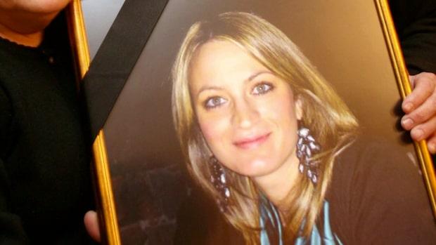 Jennifer, 22: Min pappa mördade min mamma
