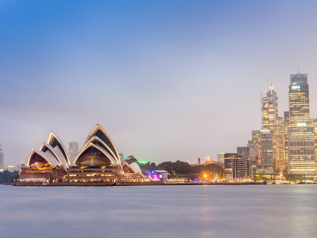 Festen, som inleds i Sydney, annordnas av flygbolaget PrivateFly.