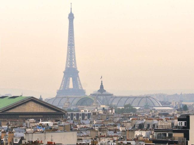 Det riktiga Paris väntar runt hörnet.