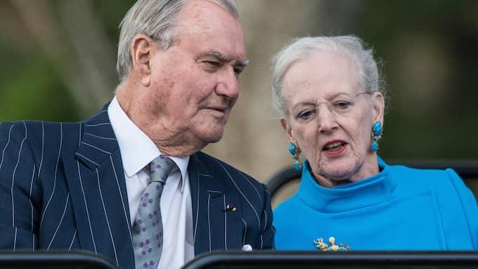 """När regentparet firade silverbröllop 1992 sade prins Henrik att det är """"skevt"""" när en kvinna har högre rang än sin man. Foto: TOR GUNNAR BERLAND / STELLA PICTURES"""