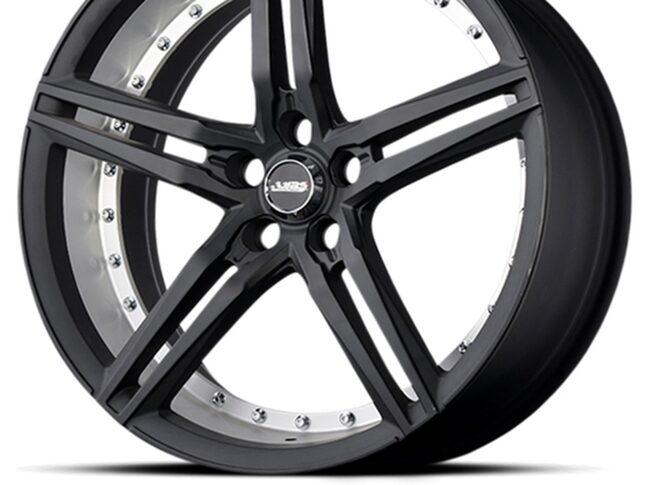 Inte helt svart  ABS370 - en sportig och luftig design för bilar med stora bromsok. En grafit grå finish för den som inte vill gå helt i svart.
