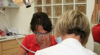 Personalen på tandvårdskliniken i Gdansk pratar svenska.