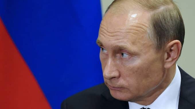 Rysslands federationsråd har enhälligt gett Putin rätt att använda militär utomlands. Foto: Mikhail Klimentyev