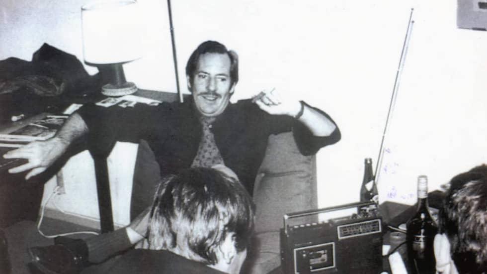 På semester. Stig Bergling, här på semester i Italien 1979, lever ett liv i sus och dus. Senare samma år rullas hans affärer med ryssarna upp.