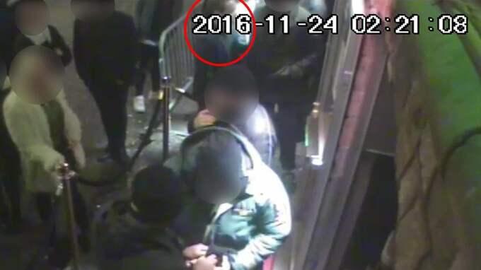 Kent Ekeroth fastnade på övervakningskameror när han hamnade i ett bråk i en krogkö.