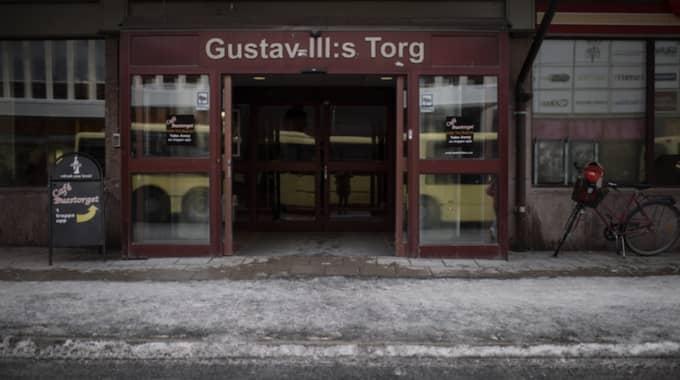 Busstationen där några tioåriga flickor blev ofredade. Foto: Meli Petersson Ellafi